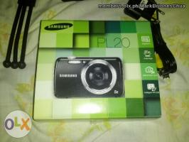 Selling Samsung PL20 DIGICAM digital Camera